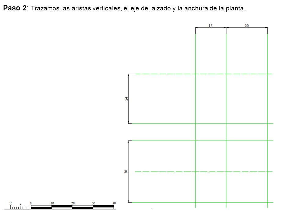 Paso 2: Trazamos las aristas verticales, el eje del alzado y la anchura de la planta.