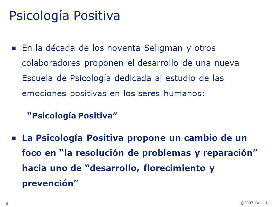Psicología Positiva Y él presentó una nueva escuela de psicología que busca entender y desarrollar las fortalezas humanas.