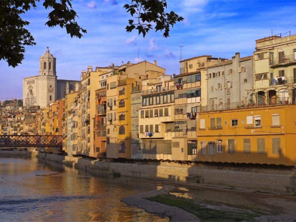 Y para acabar, una foto de Gerona, una ciudad muy bonita desde donde venimos, y les invitamos a visitarla, donde siempre serán bien recibidos.