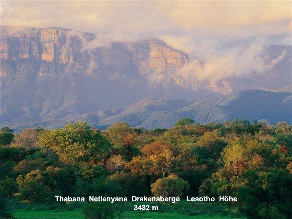 Thabana Netlenyana Drakensberge Lesotho Höhe 3482 m