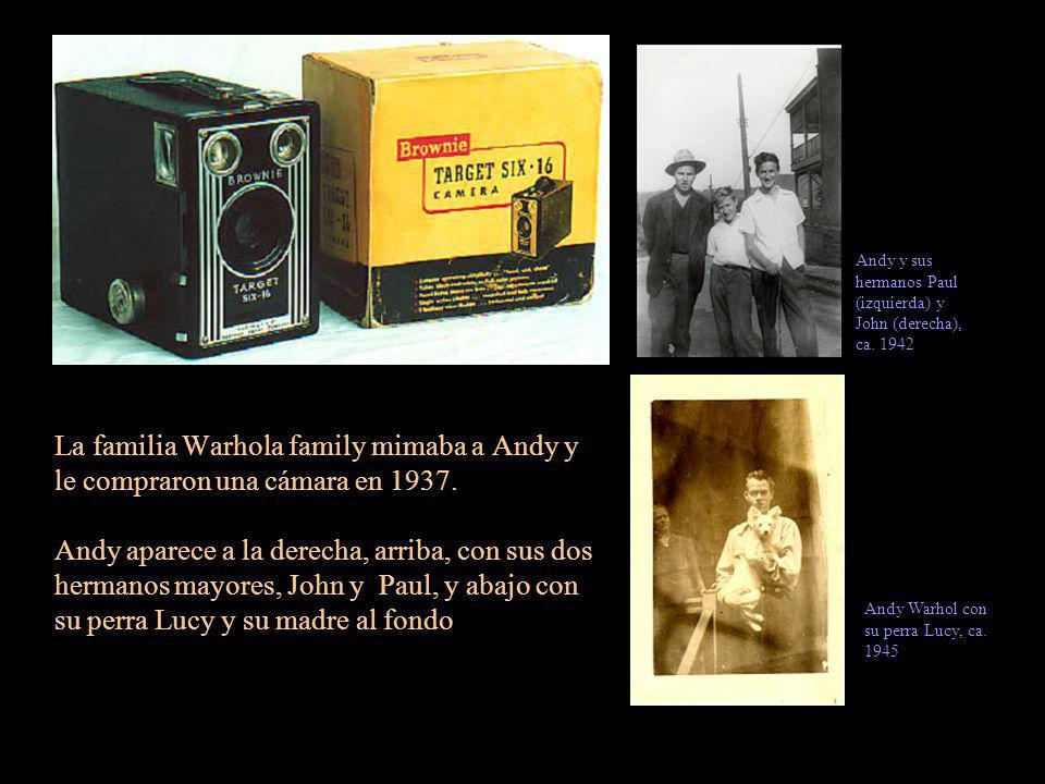 Andy y sus hermanos Paul (izquierda) y