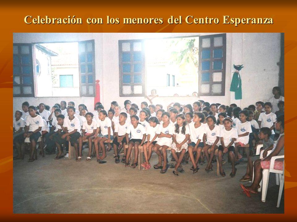 Celebración con los menores del Centro Esperanza