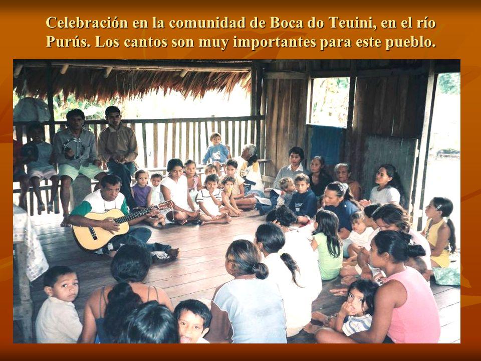 Celebración en la comunidad de Boca do Teuini, en el río Purús
