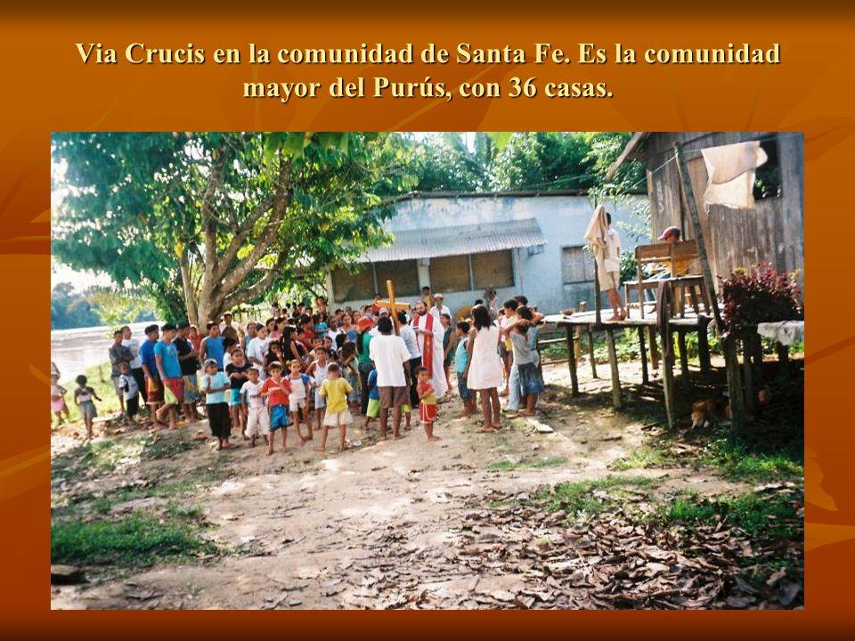 Via Crucis en la comunidad de Santa Fe