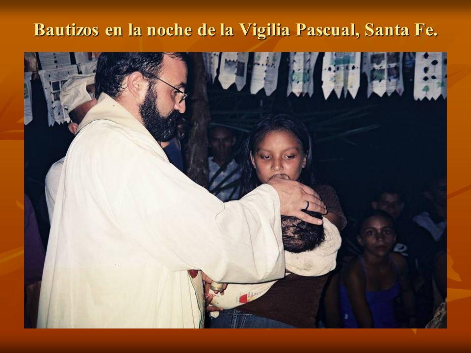 Bautizos en la noche de la Vigilia Pascual, Santa Fe.