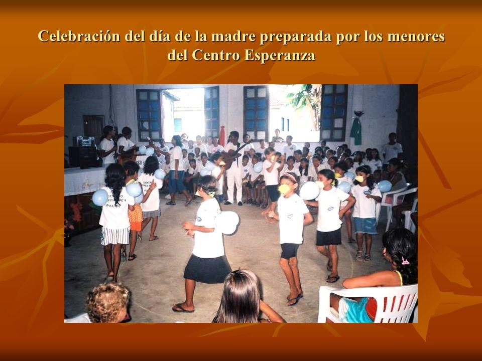 Celebración del día de la madre preparada por los menores del Centro Esperanza