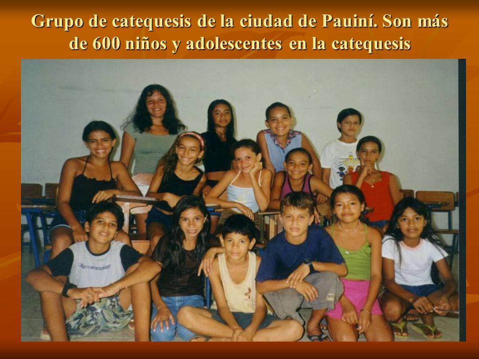 Grupo de catequesis de la ciudad de Pauiní