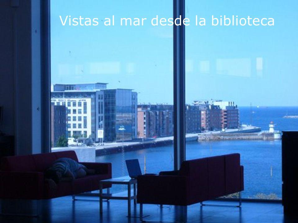 Vistas al mar desde la biblioteca